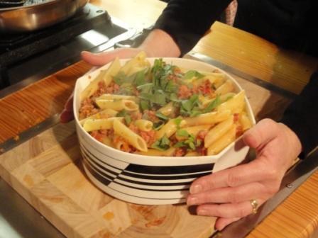 jool 39 s pregnant pasta jamie oliver 39 s 30 minute meals. Black Bedroom Furniture Sets. Home Design Ideas