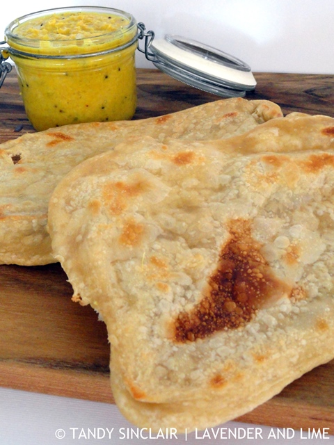 Yellow Curry Paste And Naan